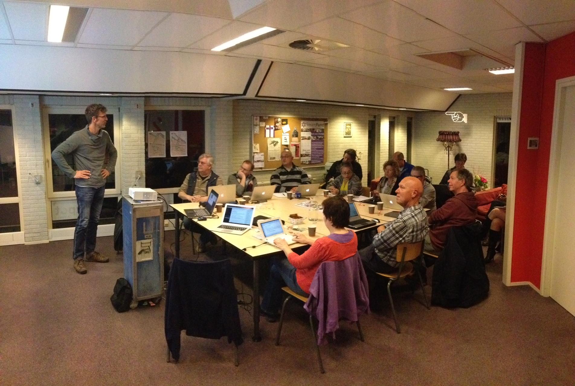 Simon Kloostra test zijn Joomla!Dagen presentatie uit bij JUG030 09-03-2015