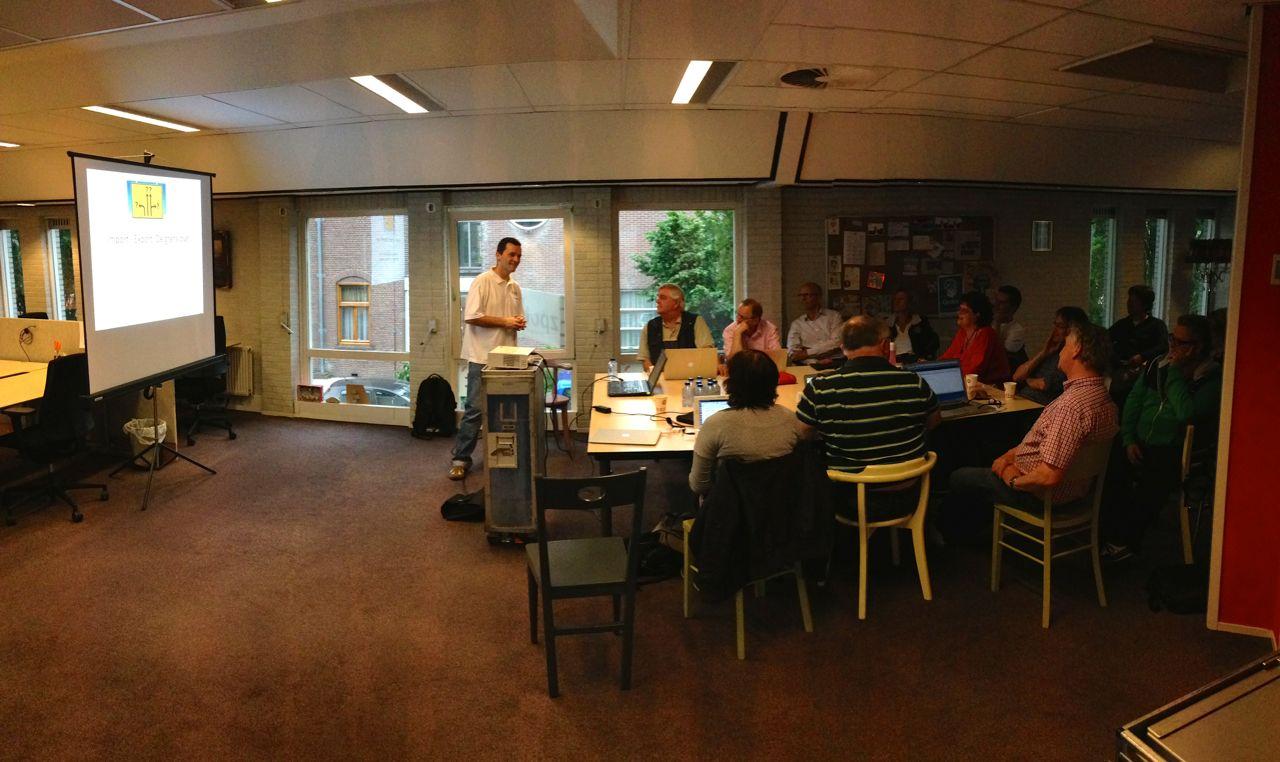 Roland Dalmulder presenteert bij JUG Utrecht op 16 juni 2014.