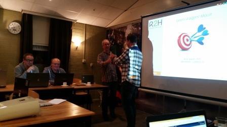Jan bedankt Rick voor zijn presentatie